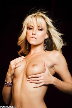 Jana Cova Sexy in the Dark