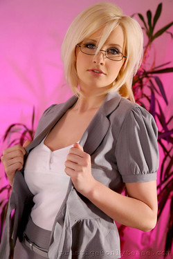 michellemarsh-secretary03