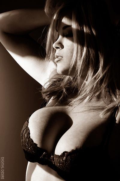Brea Lynn Sexy in the Shadows