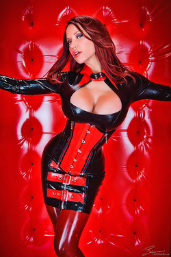 Bianca Beauchamp Shiny Lust in Rubber