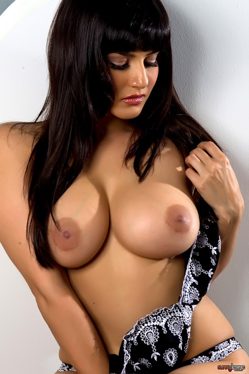 Indian Porn Star Sunny Leone