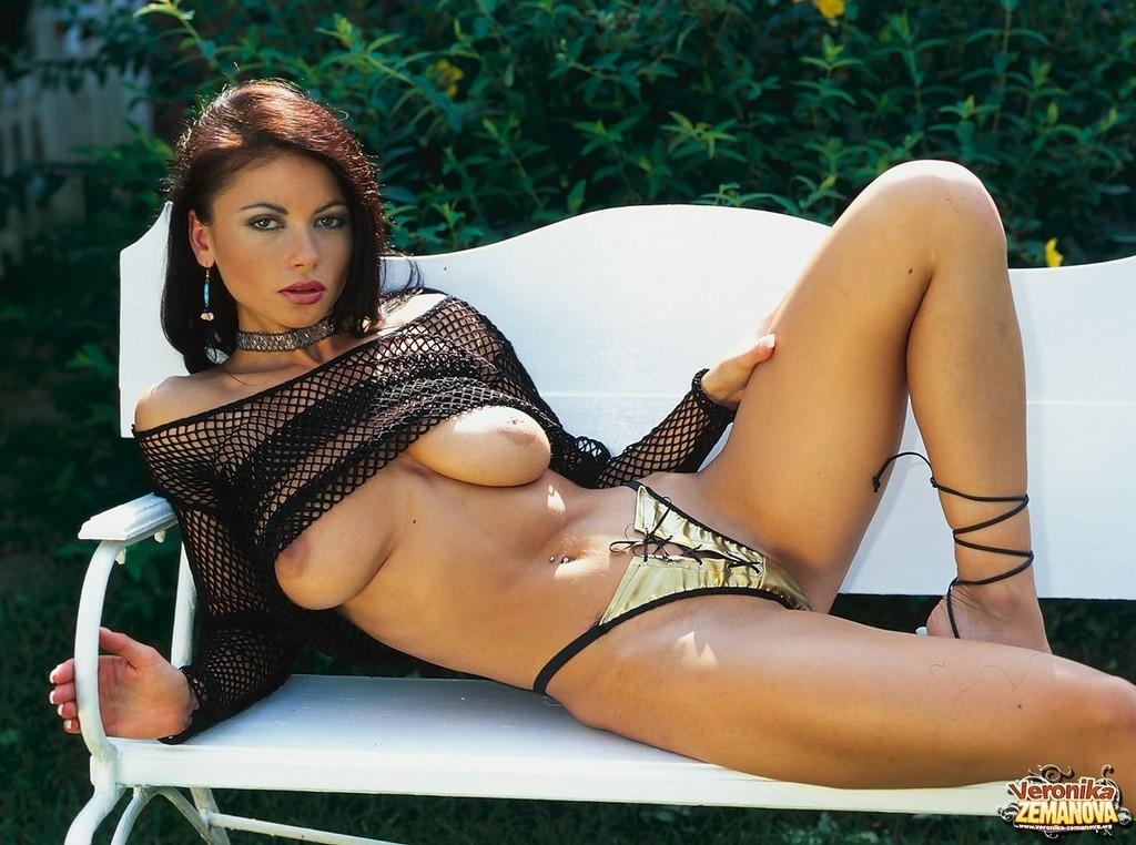 поощрительно красивое голое женское тело вероника земанова молодая