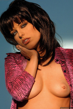 Nadia Vasi French Seductress Totally Sultry Half Naked