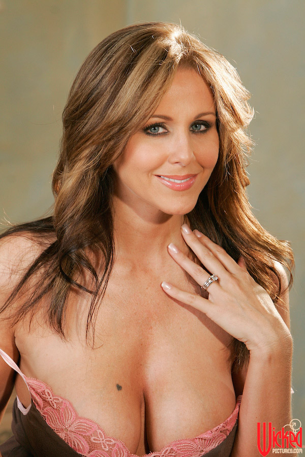 Nude wicked julia