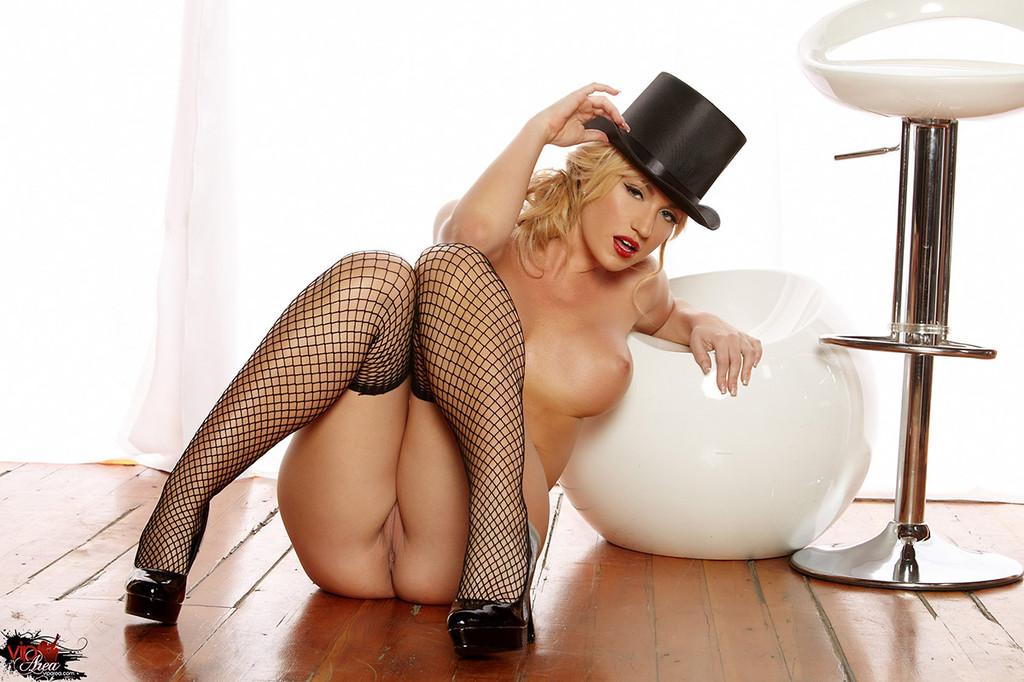 девушки в шляпках порно лучшие самые