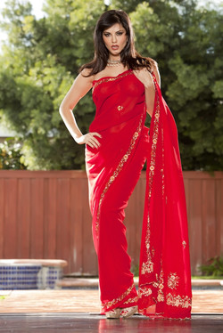 sunny-leone-sari-02