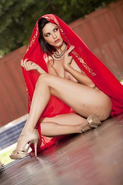 sunny-leone-sari-14