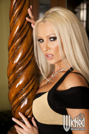wicked-dianadoll-4735-01