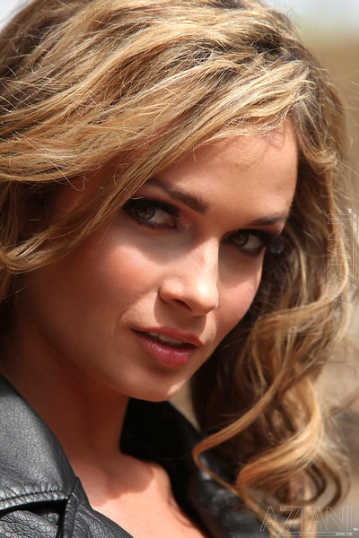Prinzzess Reveals Perky Breasts from Leather Jacket