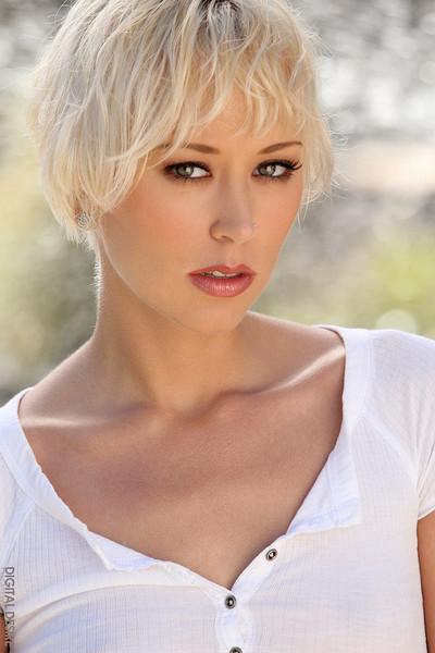 Brooke Taylor Seductive Blonde Sex Kitten Bares Nude Body Outdoors