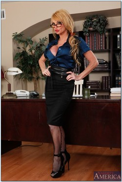 Taylor Wane Lusty Busty Boss Gets Naughty in the Office