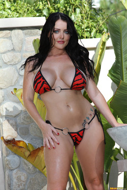 Sophie Dee Big Boobed Brunette Drops Bikini at the Pool