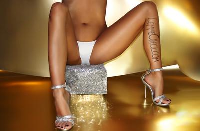 Sexy Legs in High Heels on LemmeCheck Fansign Model