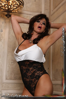 Rachel Aziani Busty Brunette Readies Sexy Bath