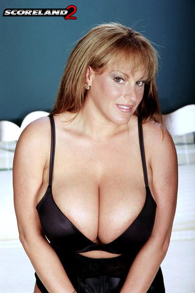 Cindy Cupps Big Boob Legend in the Bedroom