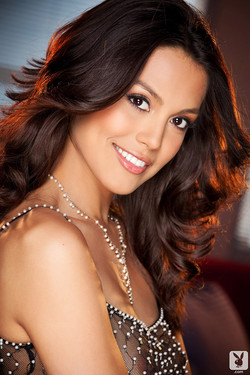 Raquel Pomplun Named 2013 Playboy Playmate of the Year