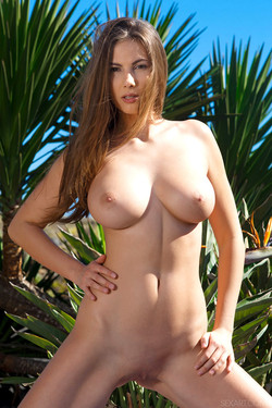 sexart-connycarter-042913-13