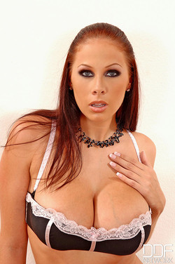 ddfbusty-gianna-michaels-8688-01