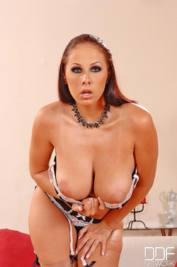 ddfbusty-gianna-michaels-8688-07