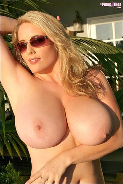 Maggie Green Big Boob Blonde Dazzles in Sunglasses