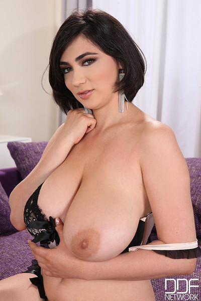 Luna Amor Big Boob Romanian Brunette Shows Off 42Ds