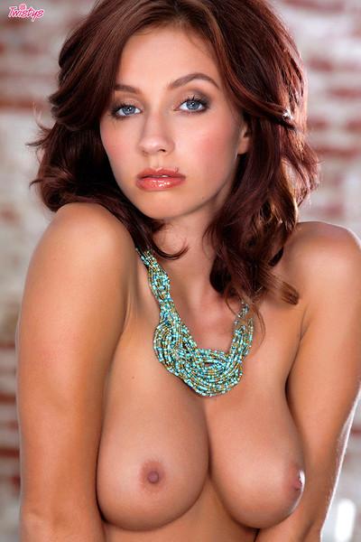 Victoria Lynn