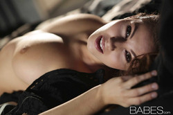 babes-connie-carter-10571-04
