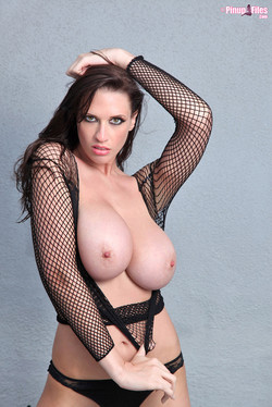 Lana Kendrick Releases Mammoth Mounds from Fishnet Top
