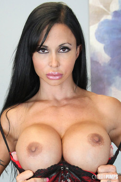 Jewels Jade Buff Fitness Model Shows Off Huge Breasts