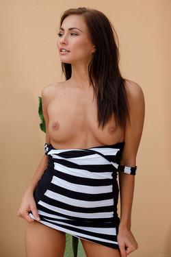 Michaela Isizzu Sexy Czech Bares Beautiful Naked Body