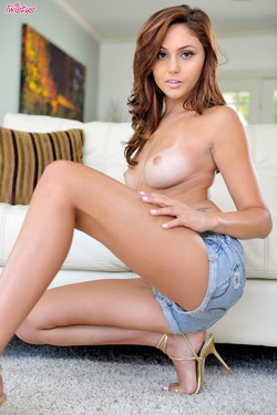 Ariana Marie Hot Brunette Shows off Perky Breasts