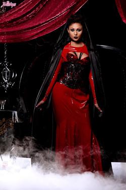 tw-ariana-marie-halloween-2015-02
