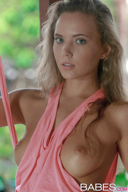 Katya Clover Blonde Vixen Glamourous Striptease