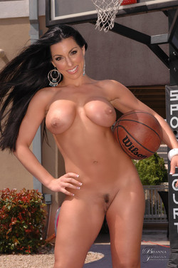 Brianna Jordan Stacked Brunette Shows Serious Game