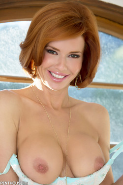 Veronica Avluv Sultry Redhead Displays Invitingly Large Breasts