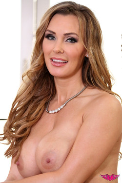 Tanya Tate Blonde Busty MILF Opens her Legs