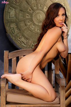 Jenna Sativa Brown Haired Beauty Shows Soft Supple Curves
