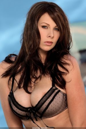Gianna Michaels Strips Her Enormous Boobs Free