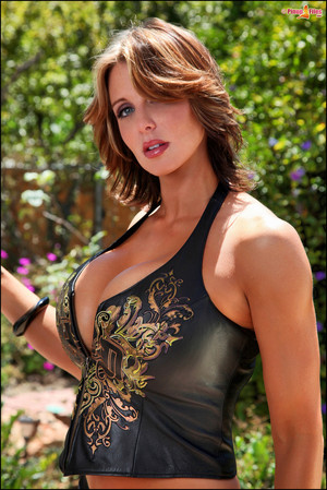 Brandy Robbins Busty Pinup Model Shows Her Big Boobs