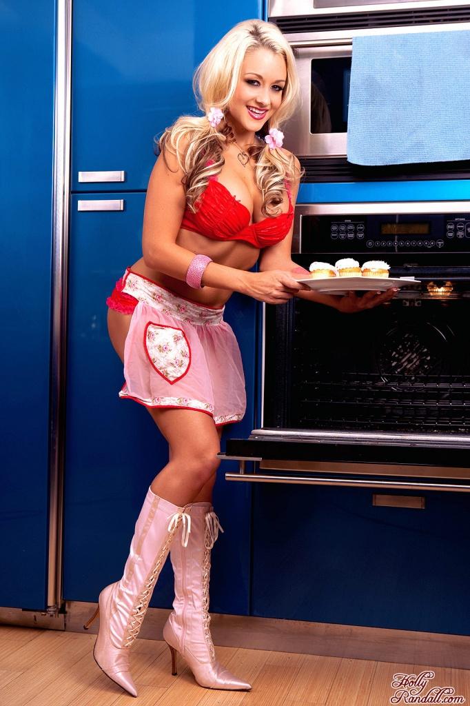 Briana Blair Tastes Her Cupcakes