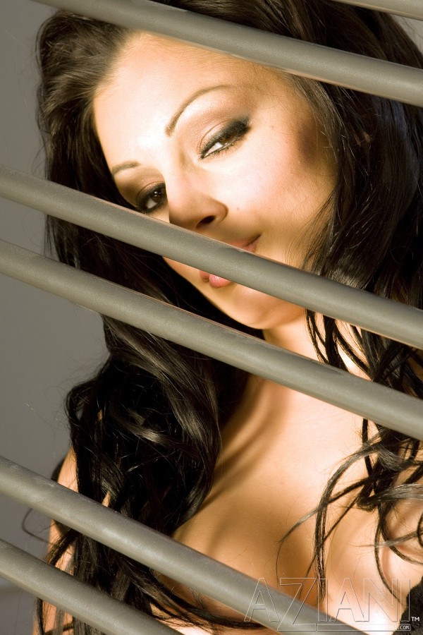 Aria Giovanni Spreads in High Heels