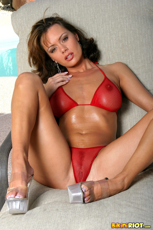 Crissy Moran Slippery in a Bikini