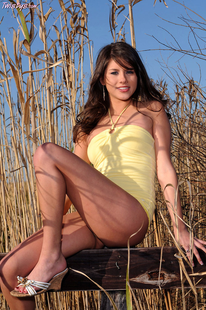 Shyla Jennings Lingerie Striptease on the Farm
