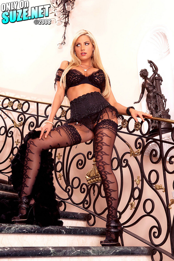 Teagan Presley Sexy In Stockings On The Stairs