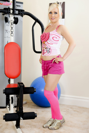Alexis Jade Blonde Model Strips and Spreads at the Gym