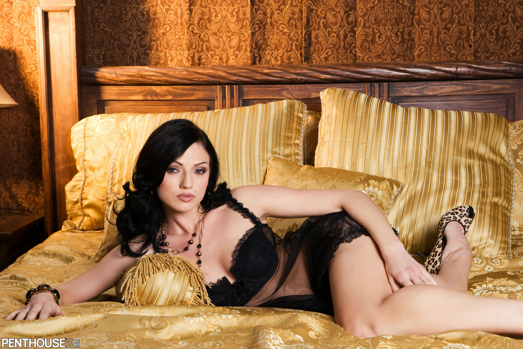Ava Rose Glamour in Black Lingerie
