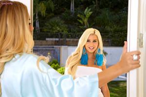 Nicole Aniston and Spencer Scott Naughty Girlfriends