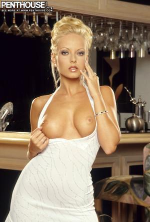 Jana Cova Beauty in White