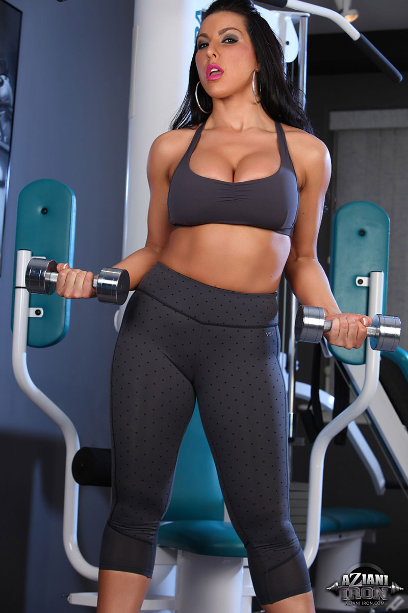Brianna Jordan Busty Brunette Hits the Gym