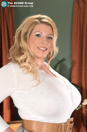 Renee Ross Massive Boobs Bust her White Sweater Dress